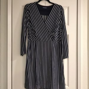 Tommy Hilfiger dress navy and white dress size 10